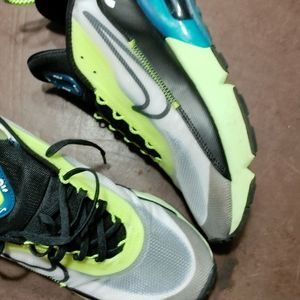 Nike Air Max 2090 Size 10 for Sale in Graham, WA