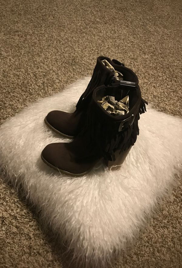New brown suede (boots fringes) emptying out closet for room sz 7