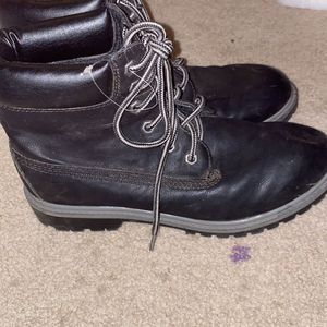 BEST OFFER women's 8 Boots Barely Ever Worn for Sale in Old Saybrook, CT