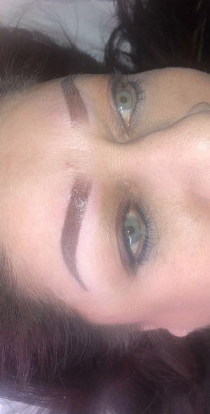 Ombré powdered brows for Sale in Baldwin Park, CA