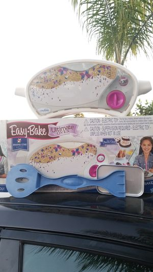 Easy bake ultimate oven for Sale in Armona, CA