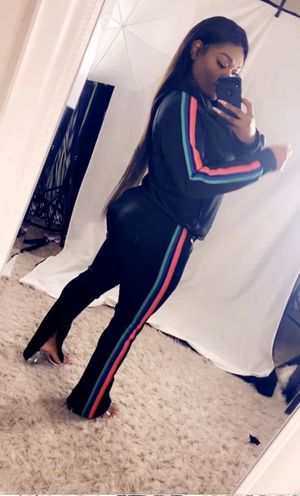 Woman sweatsuits black for Sale in Pittsburg, CA