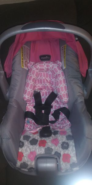 Baby car seat for Sale in Fresno, CA