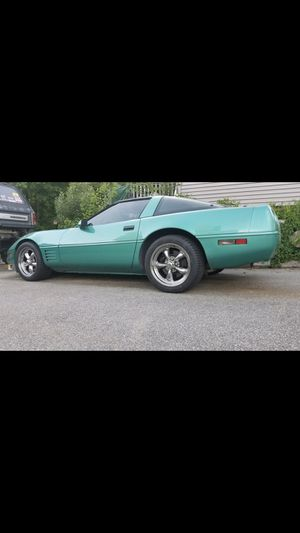 1991 Chevy corvette for Sale in Whitinsville, MA