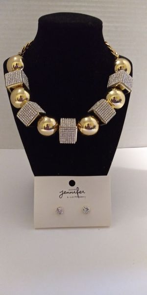 Gold Diamond necklace with earrings for Sale in Detroit, MI