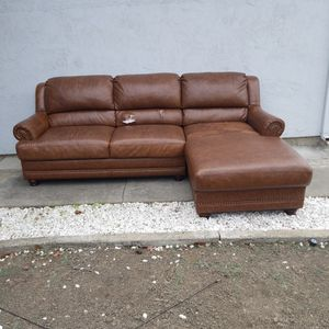 FREE Leather Chaise for Sale in San Jose, CA