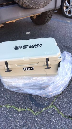 Yeti cooler 45 for Sale in Tempe, AZ