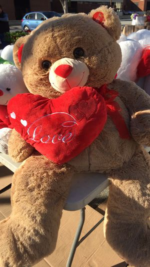Four foot Valentine's Day teddy bear/ Stuffed animal for Sale in Bell Gardens, CA