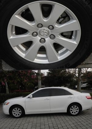 For Sale. 2009 Toyota Camry XLE Great Shape. FWDWheels for Sale in Green Bay, WI