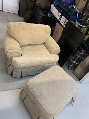Broyhill Chair & Ottoman for Sale in Pensacola Beach, FL