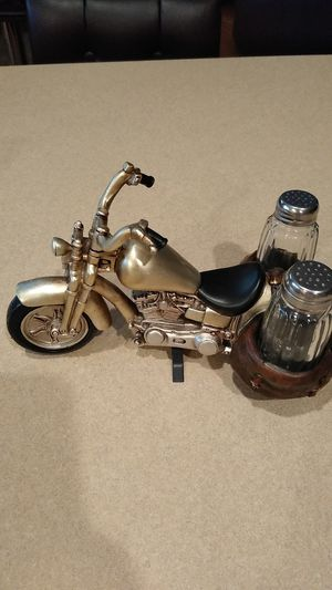 Motorcycle salt and pepper shaker holder for Sale in Peoria, AZ