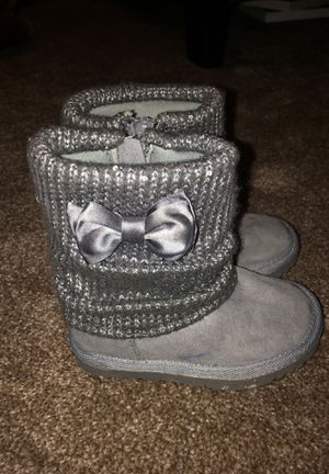 Size 7c little girls grey boots for Sale in Antioch, CA