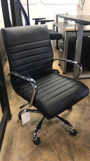 Bonded leather chairs for Sale in Hialeah, FL