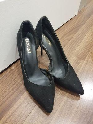 Zenvimi Women Size 7 Black Heeled Pumps Red Soul for Sale in Los Angeles, CA
