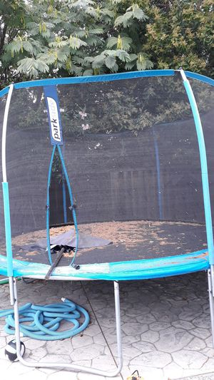 12ft trampoline. Come and take it apart and yours....free for Sale in San Jose, CA