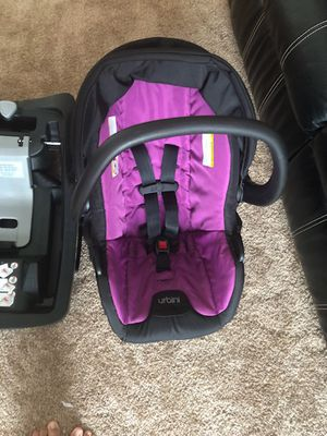 Urbini stroller and car seat for Sale in Omaha, NE