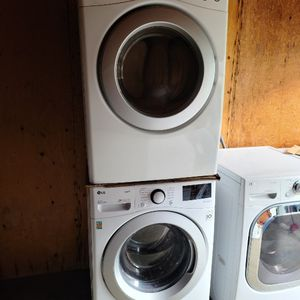 NEW !! LG SMART STEAM JUMBO FRONT LOAD WASHER AND USED GAS DRYER for Sale in Perris, CA