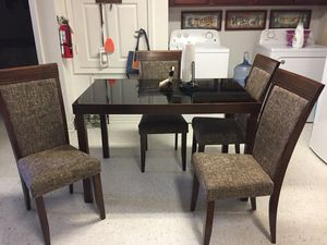 Dining table and 4 chairs for Sale in Ville Platte, LA