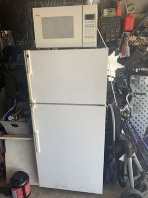 Refrigerator and whirlpool microwave for Sale in Chicago, IL