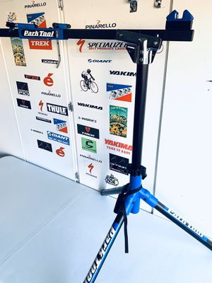 Road bike mechanic stand- Park Tool for Sale in Las Vegas, NV