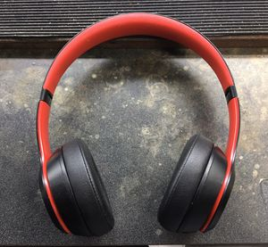 Beats Solo 3 wireless (READ DESCRIPTION) for Sale in Alvin, TX
