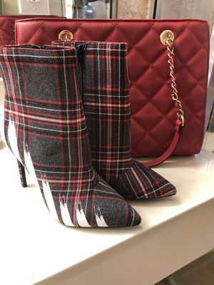 Aldo Womens Boots Size 8 with Red Matching Purse for Sale in Pembroke Pines, FL