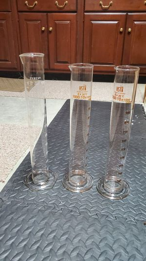 Three Science Beakers for Sale in New Canaan, CT