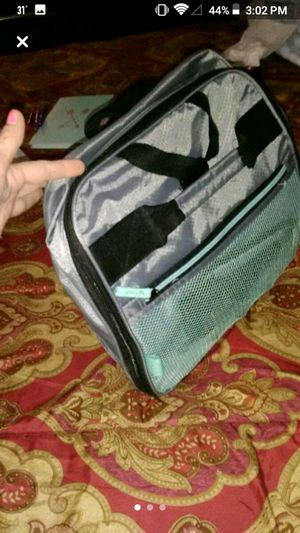 Big duffle bag with wheels for Sale in Pickerington, OH
