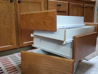 Wood Faced Cabinet Drawers for Sale in Renton,  WA