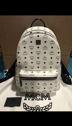 White MCM Backpack (medium) for Sale in Irwindale,  CA