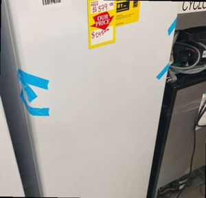 Magic Chef HMUF6WE freezer ❄️❄️❄️ TCP 2 for Sale in San Antonio, TX