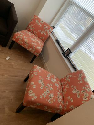 Furniture Set Plus Two Accents Chairs ,Curtains ,Carpet,Mirror for Sale in Columbus, OH