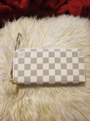 White checkerboard wallet for Sale in Norcross, GA