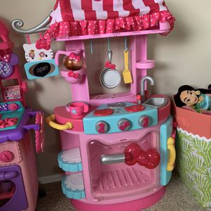 Minnie and hello Kitty Toddler Kitchen for Sale in New Hyde Park, NY