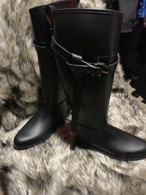 Burberry rain boots black for woman. for Sale in Wyckoff, NJ