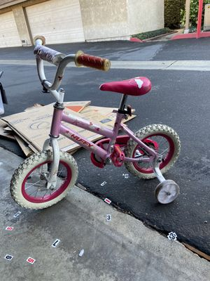 Pink Bike with Training wheels for Sale in Ontario, CA