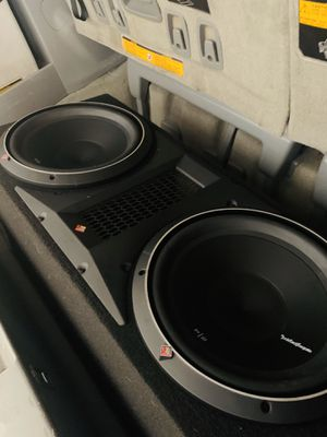 """Rockwood subwoofer dual Punch 12"""" for Sale in Vallejo, CA"""