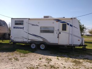 Beautiful 2010 Wildwood travel trailer for Sale in Rockport, TX