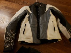 Womans AlpineStar Motorcycle jacket, Sidi boots and leather pants for Sale in Inwood, WV