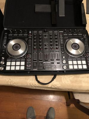 Pioneer DJ DDJ-SX2 Professional DJ Controller for Sale in Los Angeles, CA