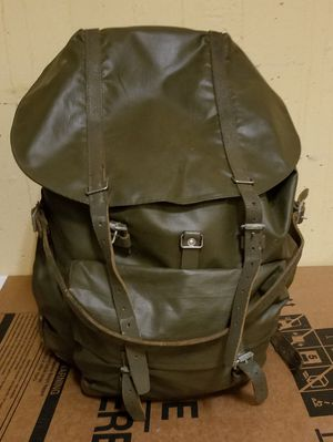 Pre owned Vintage Swiss Army leather and rubberized backpack rucksack for Sale in Bronx, NY