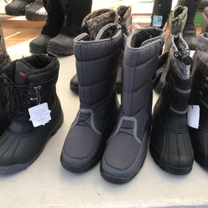 snow boots measures Infant, children, women, men . Botas Para Nieve Medidas Infante Niños , Mujeres Hombres for Sale in Long Beach, CA