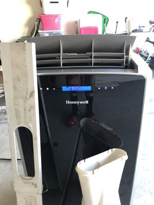 Honeywell Portable AC 1400 BTU and also works as a Dehumidifier and comes with a remote for Sale in Avondale, AZ