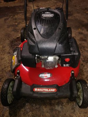 21 inch cut Southland Magna Force Lawn Mower for Sale in St. Petersburg, FL