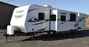 2011 travel trailer for sale for Sale in Jurupa Valley, CA