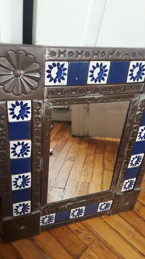 """Gorgeous vintage large Moroccan wall mirror. 23""""×19"""". for Sale in New York, NY"""