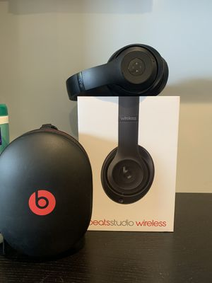 Beats studio with cable included for Sale in Miami, FL