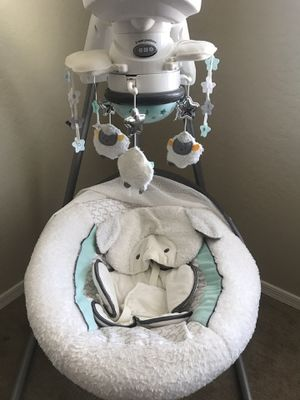 Fisher-Price baby swing for Sale in Peoria, AZ