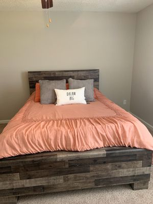Queen bed for Sale in Canton, MS