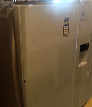 New open box frigidaire upright freezer FFFH17FZQW for Sale in Hawthorne, CA